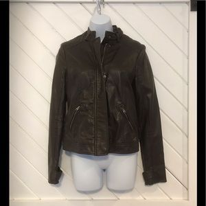 Hollister brown faux leather jacket size small❤️❤️